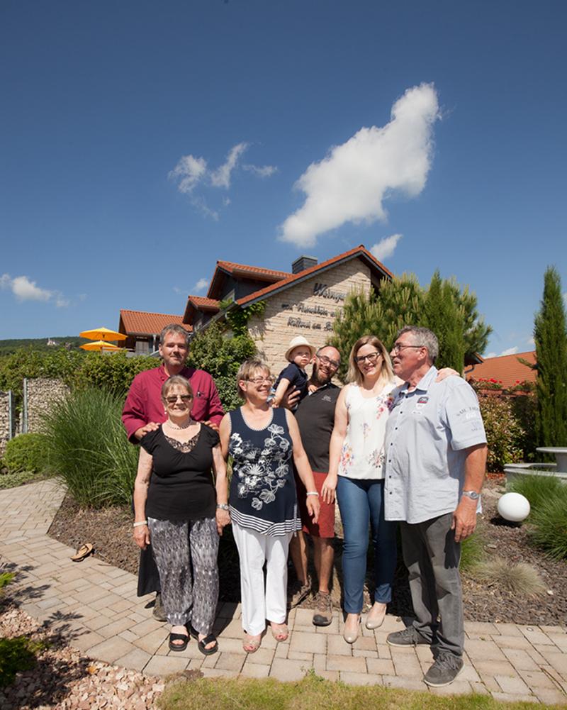 Weingotel-Kienle-Familie-Belegschaft